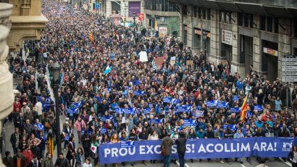 manifestacio-casa-nostra-refugiats-acollir_ediima20170218_0346_4