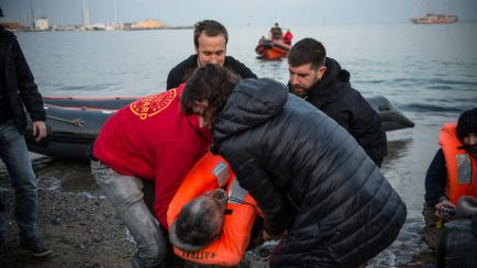 manifestacio-casa-nostra-refugiats-acollir_ediima20170218_0349_4