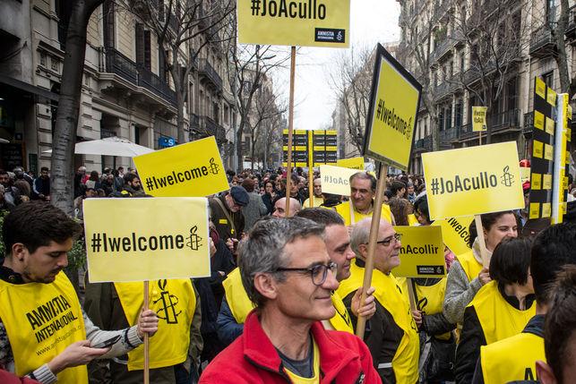 manifestacio-casa-nostra-vostrarefugiats-acollir_ediima20170218_0406_19