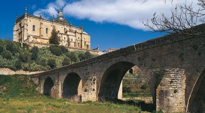 puente_catedral_coria_t1000-jpg_1306973099